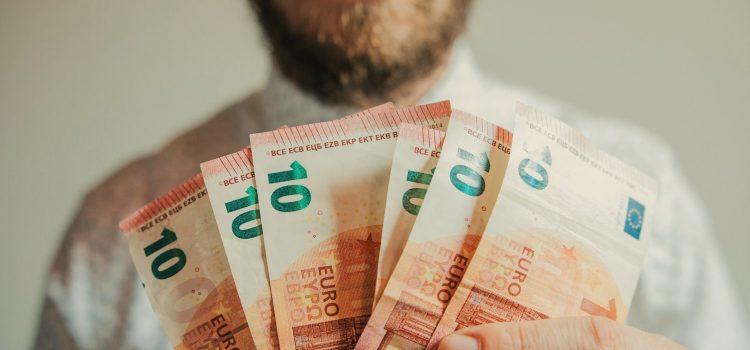 How Reseller Hosting Helps You Earn Money in 2019